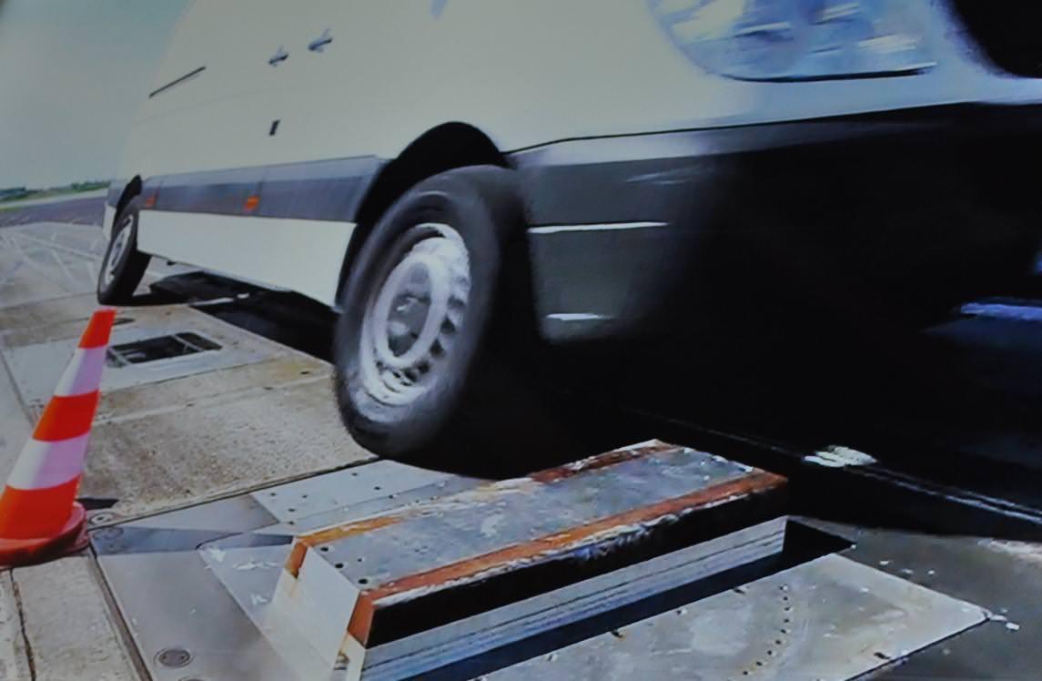 Uite cum testeaza Michelin anvelopele pentru utilitare Agilis + 2012