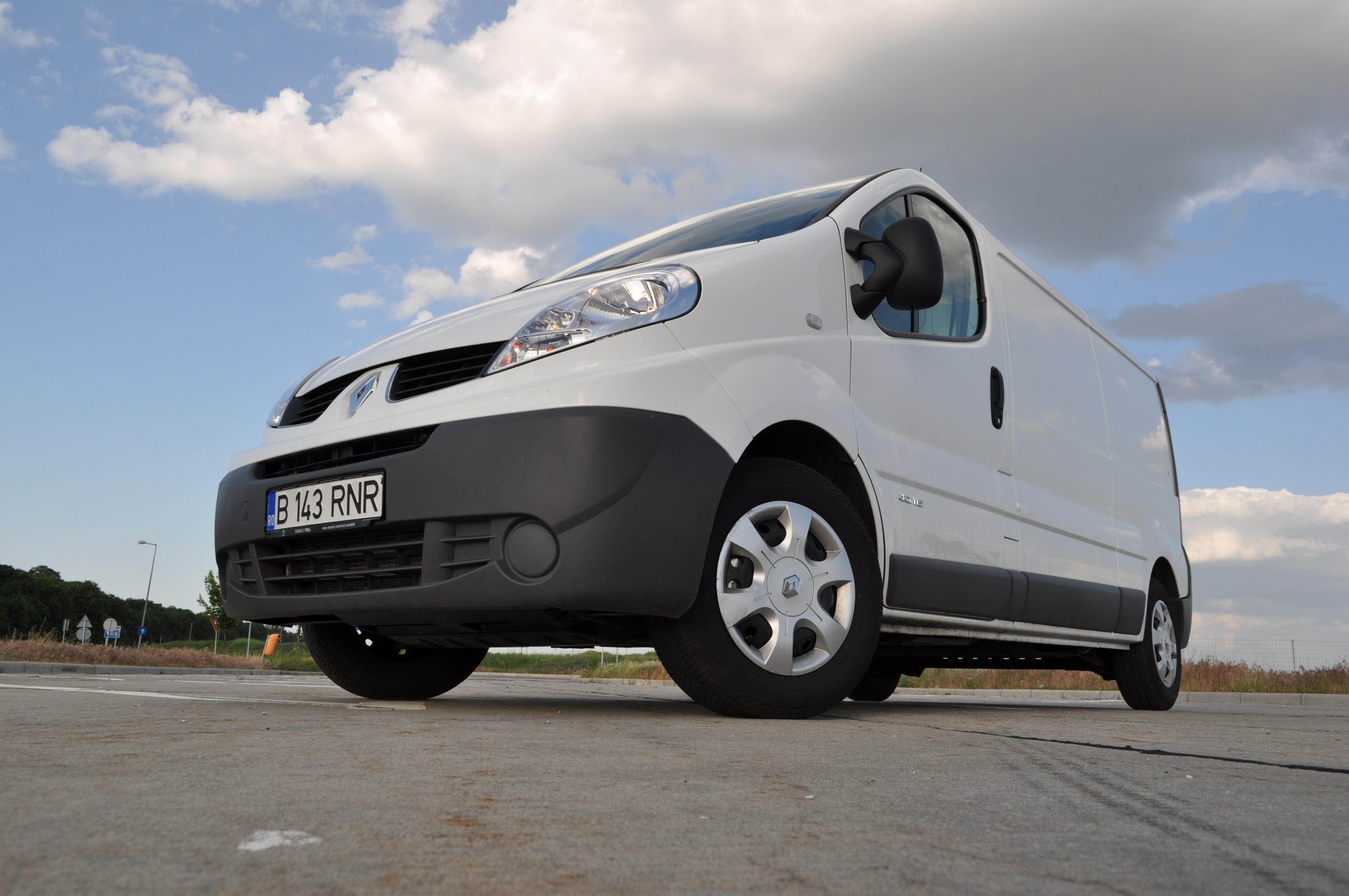 Test Drive cu noua generatie Renault Trafic 2.0 dCi 115 CP 2013