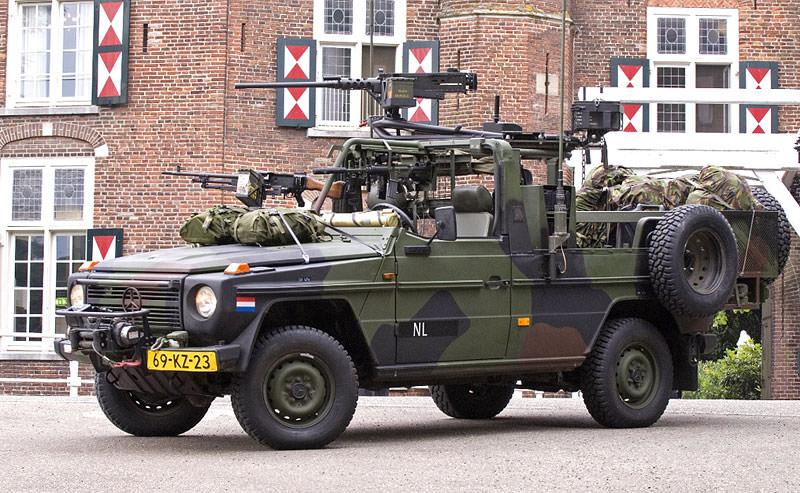 Armata elvetiana a cumparat Mercedes G300 CDI Professional