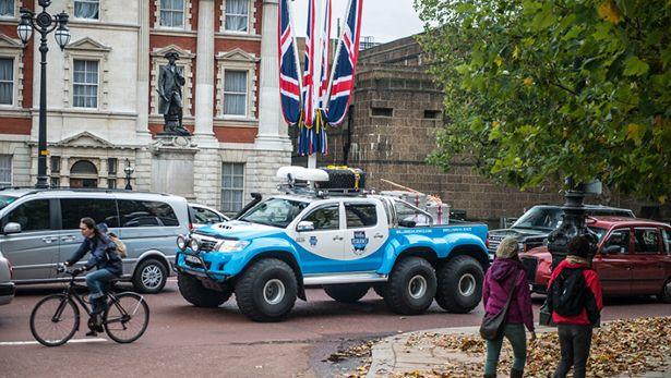 Top Gear si Toyota Hilux 6×6 se pregatesc pentru un test drive extem la Polul Sud