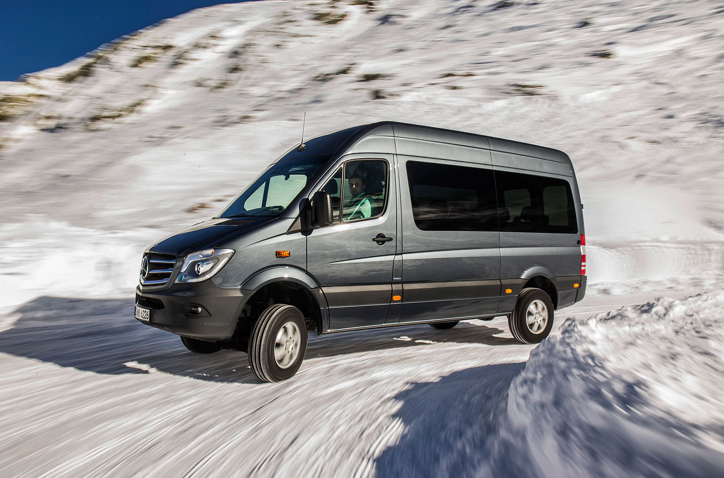 Noul Sprinter 2018 >> mercedes sprinter 319 cdi bluetec 4×4 facelift 2014 (10) | WHATTRUCK