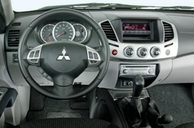 test drive mitsubishi l200 2014, drive test l200, test consum l200, cat consuma l200, motor 2.5 DI-D 178 cp, cutie automata L200 (14)