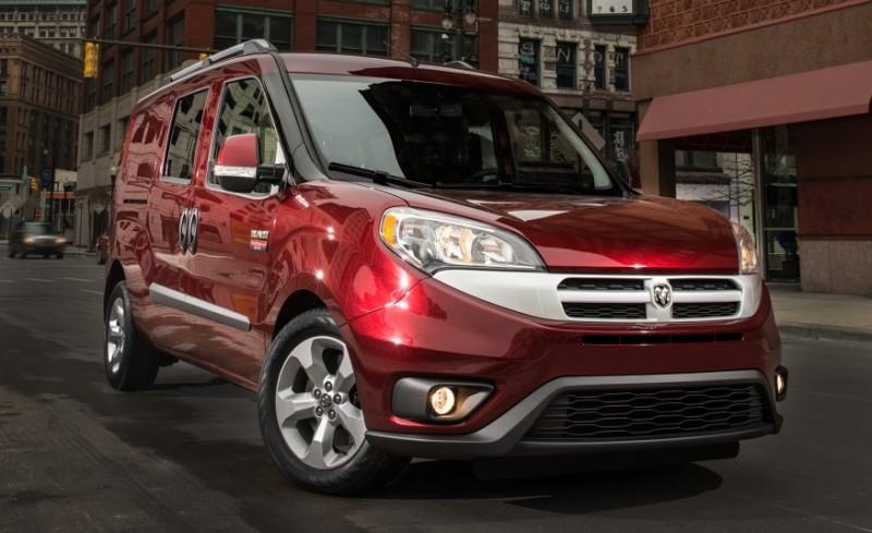 Fiat Doblo 2015 primeste un motor de 2.4 litri si o transmisie automata cu 9 trepte