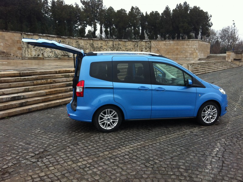 #testfordcourier, #tourneocourier, #reviewtourneocourier, #fordcouruier2015, test drive ford courier, test drive ford tourneo courier, drive test ford courier 2015, spatiu, sarcina, motor ecoboost, volum incarcare, oferte ford transit courier, 0-100 km/h, calitate de fabricatie, testwhattruck, test drive whattruck courier 2015, consum oras courier, date tehnice, imagini, test in ro, test in premiera