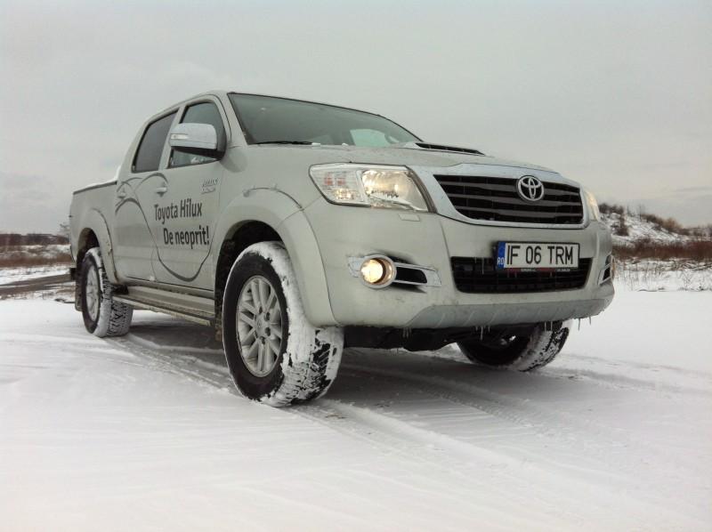Test in RO cu actuala generatie de modele Toyota Hilux 2.5 D-4D 144 CP Invincible 2015