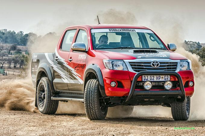 noul Toyota Hilux REX, imagini Toyota Hilux REX v8, motor v8 Toyota Hilux REX, 0-100 km/h Toyota Hilux REX, viteza maxima Toyota Hilux REX, date tehnice Toyota Hilux REX v8, motor lexus pe hilux