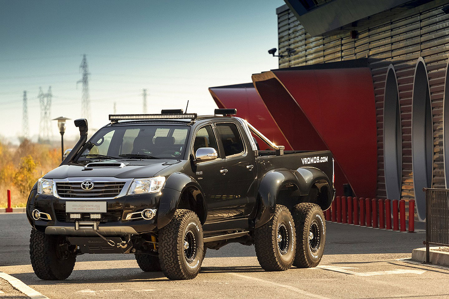vromos toyota hilux 2016, toyota hilux 6x6, best toyota hilux 6x6, off road toyota hilux 6x6, price tag toyota hilux 6x6, vromos bulgaria, tuning vromos bulgaria, off road toyota hilux 6x6