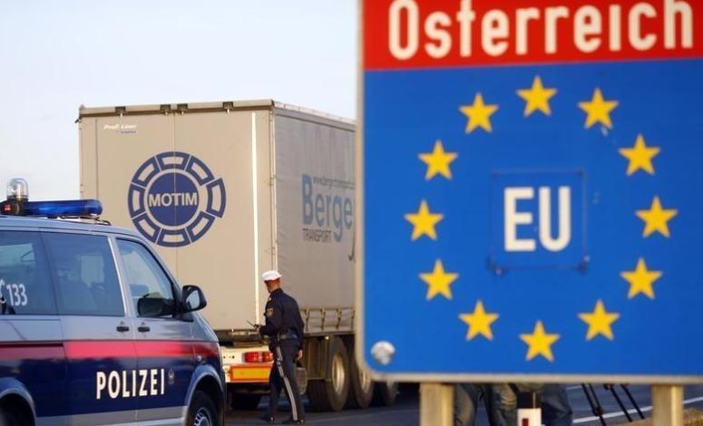 Austria vrea sa opreasca transportatorii romani! Austria vrea ziduri in UE