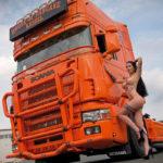 Truck Calendar 2019, fete goale Truck Calendar 2019, sani goi Truck Calendar 2019, pasarica Truck Calendar 2019, curve parcari tir, fete goale parcare, sani goi tir, cele Truck Calendar 2019. noul Truck Calendar 2019