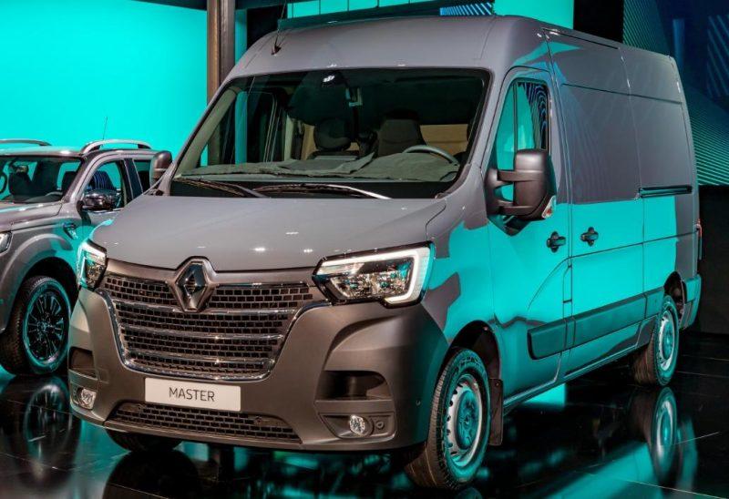 Renault a modernizat astazi modelel Master si Trafic 2019! Schimbat este si Alaskan 2019