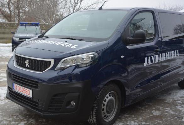 Jandarmeria Romana a inceput sa foloseasca noile dube Peugeot Expert cumparate de la Trust Motors