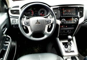 Mitsubishi L200 Double Cabin 2.2 Diesel 110 kW (150 CP) Cutie Automata Aisin 4WD-Super Select 4WD-II, test drive, drive test, consum Mitsubishi L200 Double Cabin 2.2 Diesel 110 kW (150 CP) Cutie Automata Aisin 4WD-Super Select 4WD-II, off road Mitsubishi L200 Double Cabin 2.2 Diesel 110 kW (150 CP) Cutie Automata Aisin 4WD-Super Select 4WD-II, pret achizitie Mitsubishi L200 Double Cabin 2.2 Diesel 110 kW (150 CP) Cutie Automata Aisin 4WD-Super Select 4WD-II, review , garda la sol
